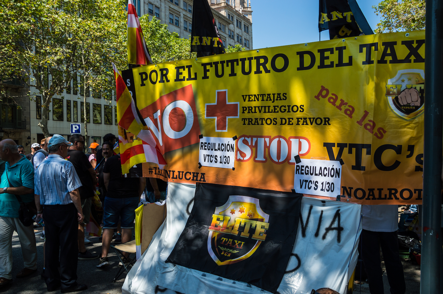 Barcelona taxi protests, 310728 -editorial
